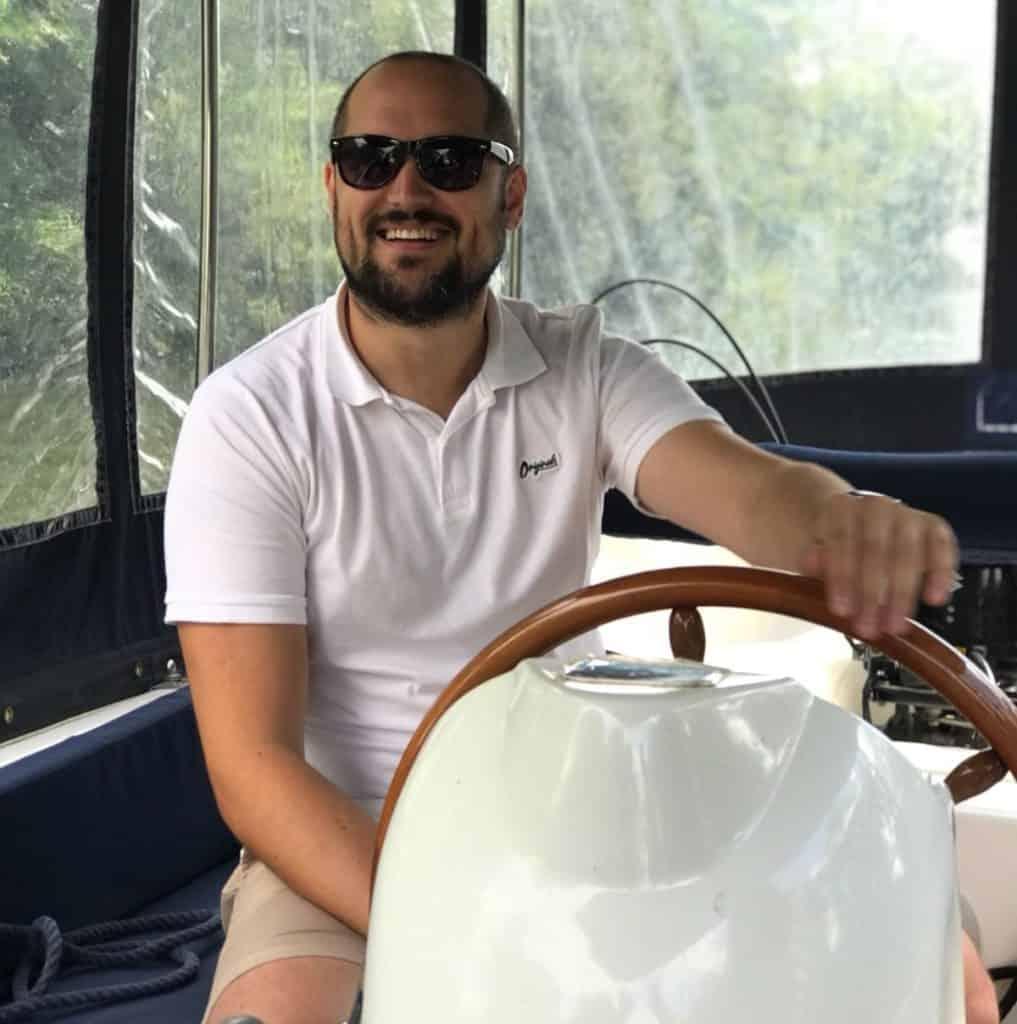 Mark Smith - The Male VA - A Virtual Assistant in Oxford
